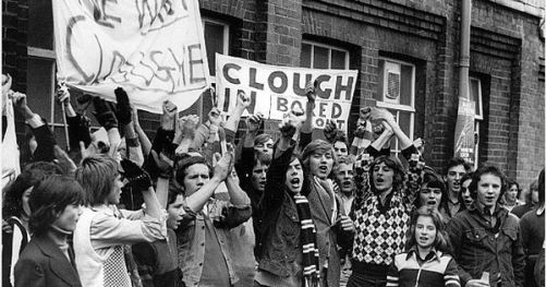 BRIAN CLOUGH - DERBY COUNTY RAMS FC FANS PROTEST OUTSIDE THE BASEBALL GROUND AS THE 'BRING BACK BRIAN CLOUGH' FOLLOWING THE BOARD'S ACCEPTANCE OF HIS RESIGNATION